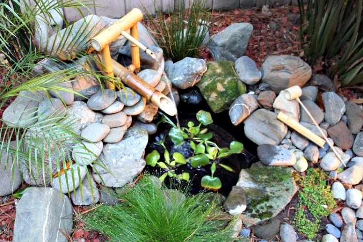 Dise o de jardines peque os for Fuentes rusticas para jardin
