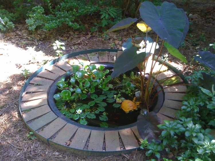 fuentes de agua para jardines peque os